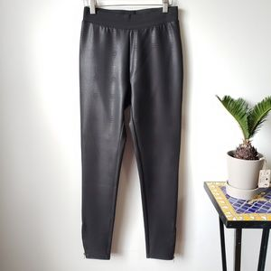 WORN ONCE FREESTYLE BLACK FAUX LEATHER LEGGINGS L
